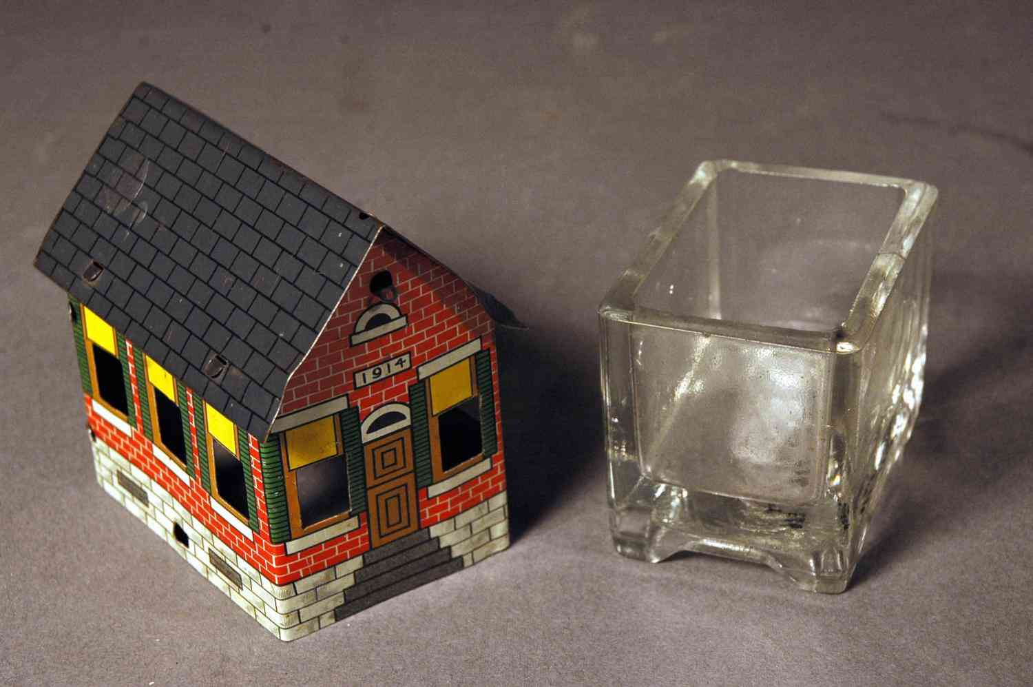 1914 Schoolhouse Candy Container